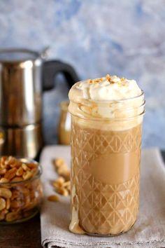 Orzechowe latte : Thermomix przepisy.Orzechowe latte. Przepis do wykonania w Thermomix TM31 i Thermomix TM5 Składniki na 3-4 porcje: 1 szklanka zaparzonej mocnej kawy 300 g. Przepis na Orzechowe latte Sweets Cake, Sugar Free Desserts, Frappuccino, Healthy Sweets, Delicious Desserts, Peanut Butter, Tasty, Yummy Yummy, Food Porn