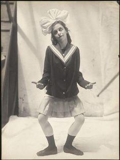 madivinecomedie:  Parade, ballet d'après Jean Cocteau, composé en 1916-1917 par Erik Satie pour les Ballets russes dirigés par Sergei Diaghilev