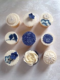 21 Absolutely Beautiful Cupcakes That Will Give You Frosting Goals - Bruidstaart Cupcake Piping, Cupcake Frosting, Cupcake Cakes, Cup Cakes, Buttercream Cupcakes, Piping Icing, Cupcake Ideas, Cupcake Recipes, Fall Wedding Cakes