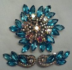 Vintage Fashion Jewelry Proms and Formals Blue Rhinestone Necklace Jewelry for Weddings Light Blue Stones Estate Collectibles