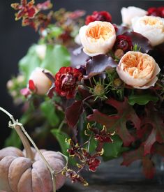 Exquisite Fall Floral Bouquet :: Stunning arrangement of these blooms...Florali-roses-ranunculus. Perfect for a wedding our fall home decor