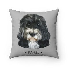 throw pillow, custom pet portrait pillow, pillow accest, gift idea for dog lover Gifts For Dog Owners, Gifts For Pet Lovers, Dog Gifts, Dog Lovers, Custom Dog Portraits, Pet Portraits, Cat And Dog Drawing, Custom Dog Beds, Cat Themed Gifts