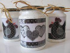 """Kit de Presente de Natal """"ARIARTES Mulher 13"""", composto por 1 trio de quadrinhos e 1 trio de vidros de galinhas em figuras patchwork. Confira mais detalhes dos prudutos acessando a lista de produtos da loja: www.elo7.com.br/ariartes R$ 79,90"""