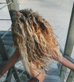 Surfing holidays is a surfing vlog with instructional surf videos, fails and big waves Curly Hair Tips, Curly Hair Styles, Natural Hair Styles, Messy Hairstyles, Pretty Hairstyles, Big Hair, Your Hair, Beachy Hair, Dreadlocks