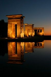 the Temple of Debod in Madrid, Spain مدريد، اسبانيا Oh The Places You'll Go, Places To Travel, Places To Visit, Foto Madrid, Madrid Travel, Spain And Portugal, Adventure Is Out There, Spain Travel, Wonders Of The World