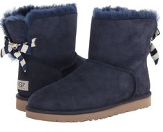 So cute <3 mini bailey bow stripe in navy twinface  150$ on zappos.com
