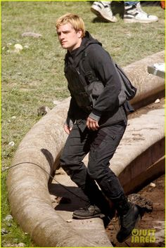 Peeta Mellark is back in action! Josh Hutcherson spotted filming for Mockingjay part 2 in Paris on May 15th.