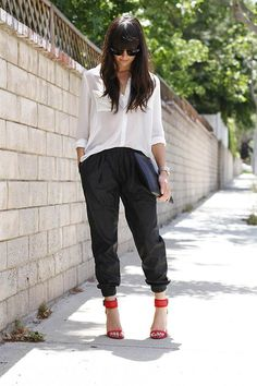 Get this look (pants, blouse, sandals) http://kalei.do/WpzQqeGXDpx1tHdS