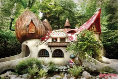 Win your family's happy ever after holiday at Holland's fairytale Efteling Theme Park Resort! Source: Win A Fairytale Family Break To Efteling Theme Park Resort - Heart Competitions Orange County Parks, Universal Parks, Planet Coaster, Fairytale House, Pirate Adventure, Tivoli Gardens, Park Resorts, Rustic Room, Disney Theme