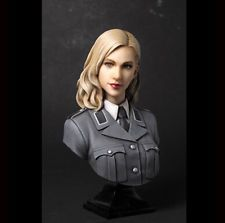1/8 Scale Bust Resin Figure kit ~German military officer  The Beauty