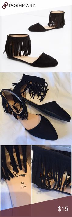 New Fringed flats black size 8 These are so cute and I love them microfiber fringed zipper back flats with semi pointed front. These read size M7/8 but better fit a size 8 and unfortunately are too big on me. New with tags's from rue21. Rue 21 Shoes Flats & Loafers