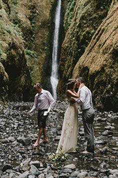 Intimate Barefoot Elopement in the Columbia River Gorge #sarahsevenloveclub