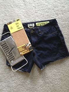 DIY: How to make the perfect pair of cutoff shorts.   I did this on a pair of old jeans and they turned out great. I'll be using this again on more jeans when the time comes.