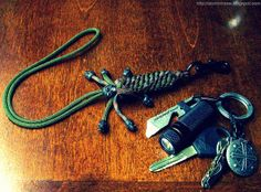 Paracord wrist lanyard with 'Secret Compartment'... by Stormdrane, via Flickr