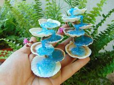 Container Gardening Tips Fairy Fountain, Garden Fountains, Diy Resin Crafts, Garden Images, Fairy Garden Accessories, Seashell Crafts, Miniature Fairy Gardens, Miniture Things, Fairy Houses