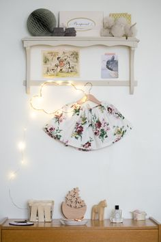 Dansmabesace - Couture - Jupe froncee - Intemporels pour bebes - Astrid le Provost - fleurs - diy - imprimé papier peint - vintage - baby look - rétro - vibrage - nuage - chambre enfant - cinq mai - germaine bourret - bonpoint - www.dansmabesace.com