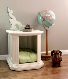 I've been keeping my eyes open for a second-hand table, so that I can recreate this for my little Beatrix : )