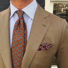 Style Men, Men's Style, Nice Suits, Bespoke Suit, Men Stuff, Summer Suits, Paisley Dress, Tie And Pocket Square, Stay Classy