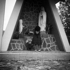 Simples oração #church #prayer #children #amazing #love #pixrlexpress #pixrl #blackandwhite #bw #pretoebranco #tudopretonobranco #peb #bandw #mybest_BW #monophoto #monotone #monotom #igersES #igers #ig_espiritosanto #ig_espiritosanto_pb #igs_photos #motofoto #TagsForLikes #picoftheday #paixaoporigrejas