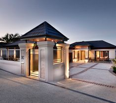 With close to 60 years of building and luxury home design experience, Zorzi home builders consistently produce outstanding bespoke homes. View our range of Estate Homes. Classic House Design, Dream Home Design, Modern House Design, Village House Design, Bungalow House Design, Luxury Modern Homes, Luxury Homes Dream Houses, Home Building Design, Building A House