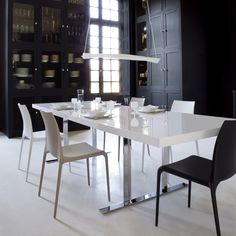 Cineline Extensible Dining Table by Ligne Roset Modern Dining Tables Los Angeles White Dining Table, Modern Dining Table, Extendable Dining Table, Dining Room Table, Dining Chairs, Dining Set, Dining Rooms, Table Design, Dining Room Design