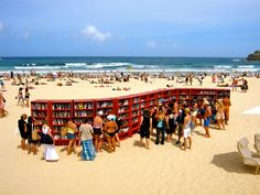 Bondi Beach: The Sandy Library - Sydney (o  To celebrate the 30th anniversary of its most popular bookcase, the BILLY, IKEA placed 30 bookshelves on Bondi Beach, in Sydney by Design d'autore