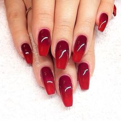 Red nails! Like these a lot | @sophieeleana