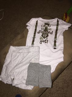 Cutest little outfit! This onesie is so adorable on because it looks like your baby is wearing suspenders. No holes or stains. The onesie is size 12 month. The shorts are light grey and size 18-24 month but in my opinion run a little small that's why I listed them with a 12 month onesie. …