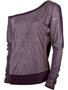 One shoulder nike sleeve fall shirt fashion. Buy me nike everything, that's fine Workout Attire, Workout Wear, Workout Style, Nike Workout, Workout Outfits, Looks Style, Style Me, Nike Free Run, Estilo Fitness