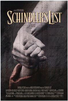 Dal libro dell'australiano Thomas Keneally La lista. L'industriale tedesco Oskar Schindler, in affari coi nazisti, usa gli ebrei come forza-lavoro a buon mercato. Gradatamente, pur continuando a sfruttare i suoi intrallazzi, diventa il loro salvatore, strappando più di 1100 persone dalla camera a gas.