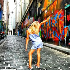 Taking a walk down Hosier Lane in Melbourne city and admiring the graffiti street art is one of the most popular things to do in Melbourne. Melbourne Travel, Melbourne Street, Visit Melbourne, Melbourne House, Melbourne Australia, Melbourne Graffiti, Study Abroad Australia, Australia Travel, Australia 2017