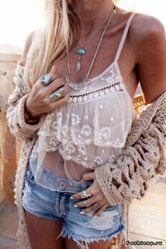Hippie jewelry - 10 online shops as editorial tips- Hippie Schmuck – 10 Online Shops als Tipps der Redaktion hippie jewelry boho chic summer outfit women& fashion top lace tulle short jeans - Hippie Style, Mode Hippie, Gypsy Style, Bohemian Style, Bohemian Fashion, Bohemian Clothing, Boho Gypsy, Hippie Bohemian, Boho Outfits
