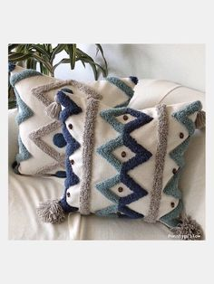 Boho Pillows, Throw Pillows, Border Embroidery Designs, Ribbon Embroidery, Weaving Loom Diy, Punch Needle Patterns, Craft Punches, Embroidered Cushions, How To Make Pillows