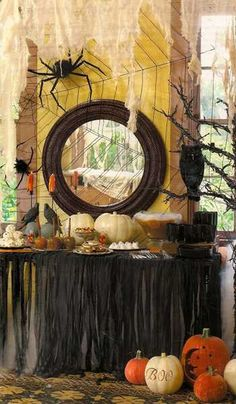 | 33 Halloween Decorating Ideas Enhanced with Black Colors and Lights