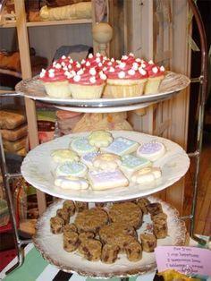 Randoons in wonderland 10 year celebration sweets