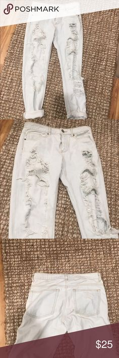 LF carmar Destroyed light wash girlfriend jeans Bought from forever 21. Not LF. Super cute destroyed look LF Jeans Boyfriend