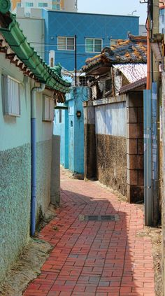 Alleyway in Daegu, South Korea