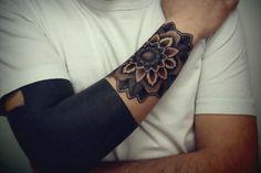 Black Arm. Beautiful
