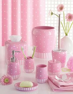 Stars, Lines & Dots Pink Bath Accessories - .I would like to have a pink bathroom, but my husband, said no wayyyyyyyyyyyyyyy! Pink Love, Pretty In Pink, Hot Pink, Kids Bathroom Accessories, Pink Accessories, Pink Baths, Rose Pastel, Pink Houses, Bathroom Sets