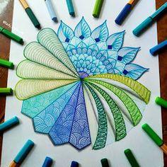Precision in Geometric Mandala Drawings Doodle Art Drawing, Zentangle Drawings, Mandala Drawing, Art Drawings, Flower Drawings, Zen Doodle, Zentangles, Mandala Art Lesson, Mandala Artwork