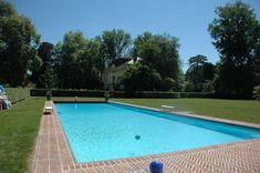 Catherine Deneuve vende il suo #castello da sogno in #Francia | #LuxuryEstate #VIP #piscina