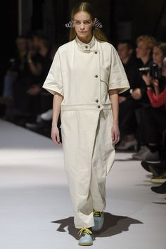 Henrik Vibskov Copenhagen Fall 2017 Fashion Show Tokyo Fashion, Fashion 2017, Fashion Show, Womens Fashion, Winter 2017, Fall Winter, Autumn, Seoul, Ukraine