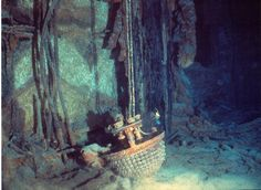 Pictures of Artifacts From the Titanic - vintagetopia Rms Titanic, Titanic Wreck, Titanic Photos, Titanic Movie, Belfast, Titanic Underwater, Underwater Ruins, Titanic Artifacts, Historia Universal