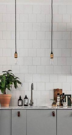 Industrial Pendant Lights, Modern Pendant Light, Industrial Chic, Kitchen Lighting, Home Lighting, Lighting Ideas, Modern Kitchen Sinks, Mid Century Modern Lighting, Flat Ideas