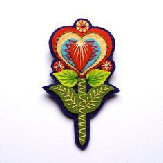 GRETA felt brooch pin with freeform embroidery - scandinavian style