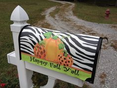 Fall mailbox cover Fall Mailbox, Mailbox Covers, Happy Fall Y'all, Outdoor Ideas, Outdoor Decor, Outdoor Living, Sweet Home, Mail Boxes, Seasons