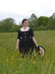 http://fjalladis.de/highland-outfit/ Rokoko historische Jacke Kleidung rococo historical dress clothing Highland Outfit  Outlander Claire Fraser Cosplay 18. Jahrhundert 18th century