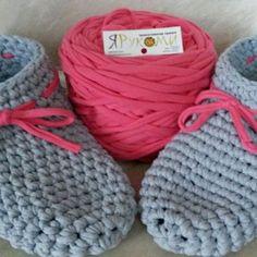 Мои носочки - тапочки из трикотажной пряжи ЯРуками. Очень мягкие и удобные #трикотажнаяпряжа #пряжа #яруками #серыймрамор #розовыйшелк #носочкикрючком #вяжу #крючком #вяжутнетолькобабушки