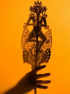 http://imgc.artprintimages.com/images/art-print/philip-kramer-theatre-display-of-balinese-shadow-puppets-or-wayang-ubud-bali-indonesia_i-G-29-2957-JIQRD00Z.jpg