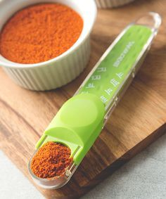 Green Adjustable Tablespoon Measuring Spoon | clever kitchen gadget! #product_design